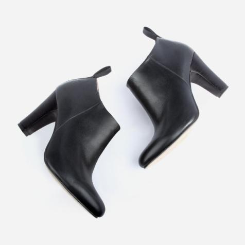 classicbootie-black-pair3